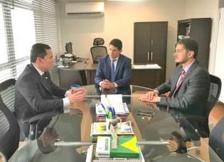dirigentes-e-advogados-do-sinprofaz-discutem-mp-805-em-reuniao-no-sindicato